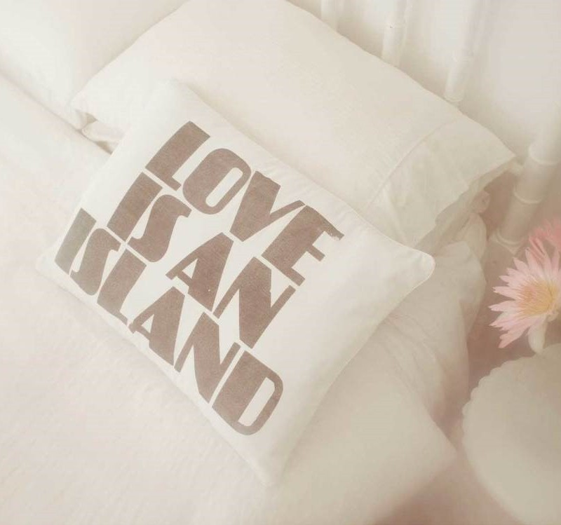 kawaiian lion love is an island